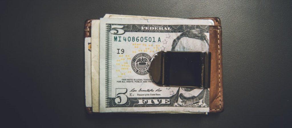 Сколько нужно денег на первое время в Петербурге?