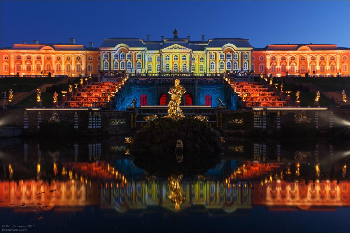 вечерняя подсветка дворца