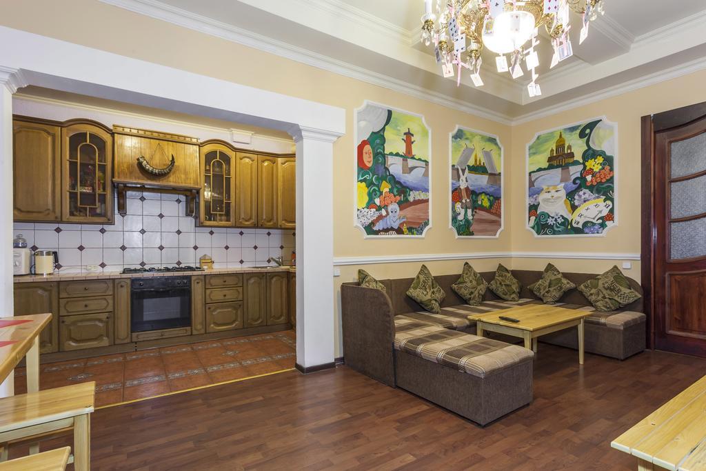 Хостел «Мартовский Заяц» общая гостиная