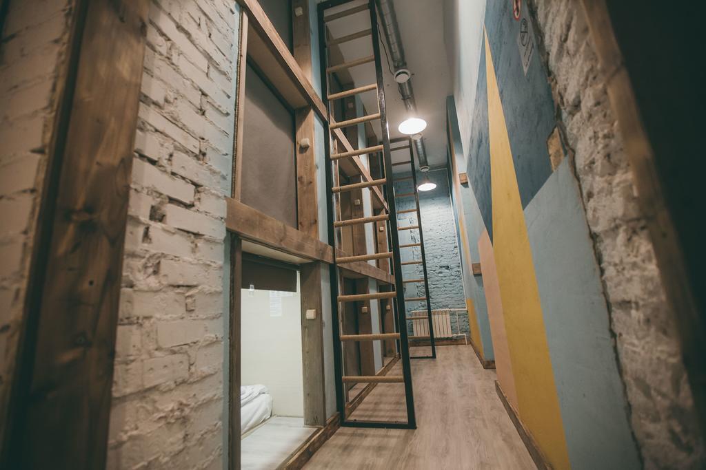 Интерьер хостела «Your Space Capsule Hostel» 900 руб/сутки