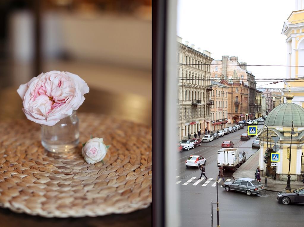 Хостел «Sweet Village Hostel Vladimirskiy» вид из окна