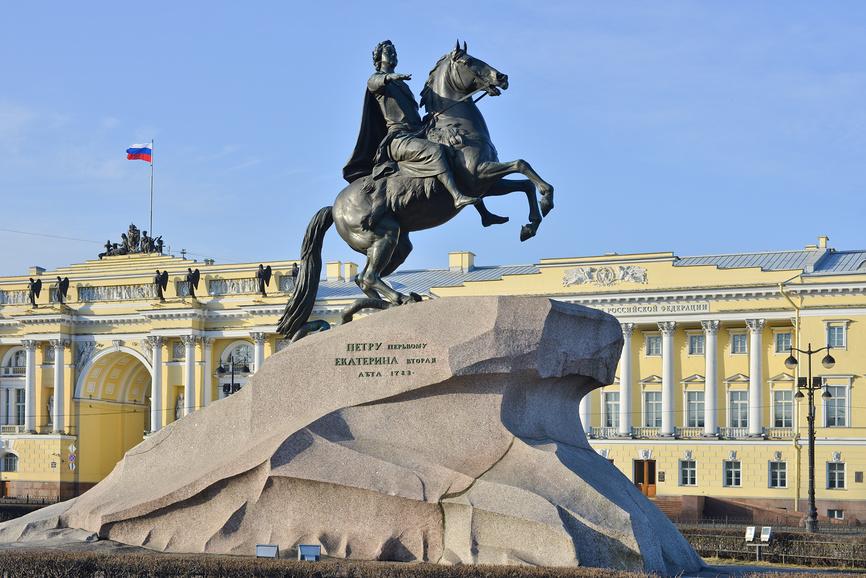 Всадник на коне Петр первый памятник