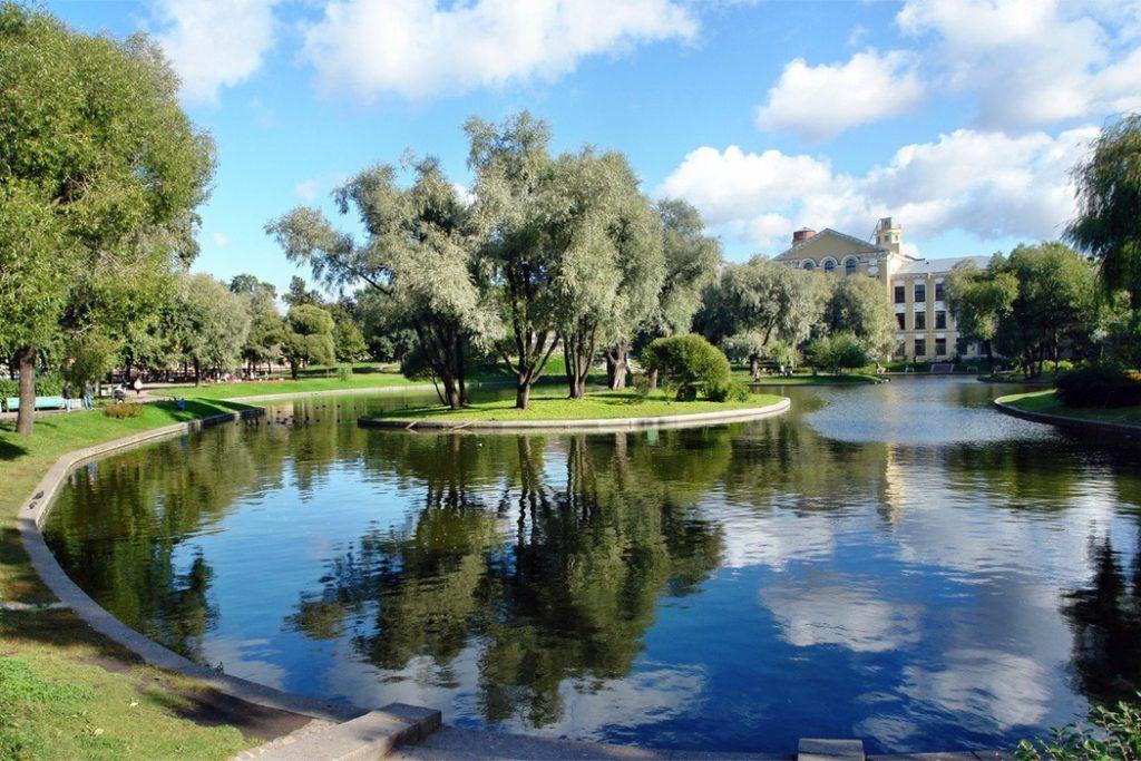 Озера в юсуповском сада